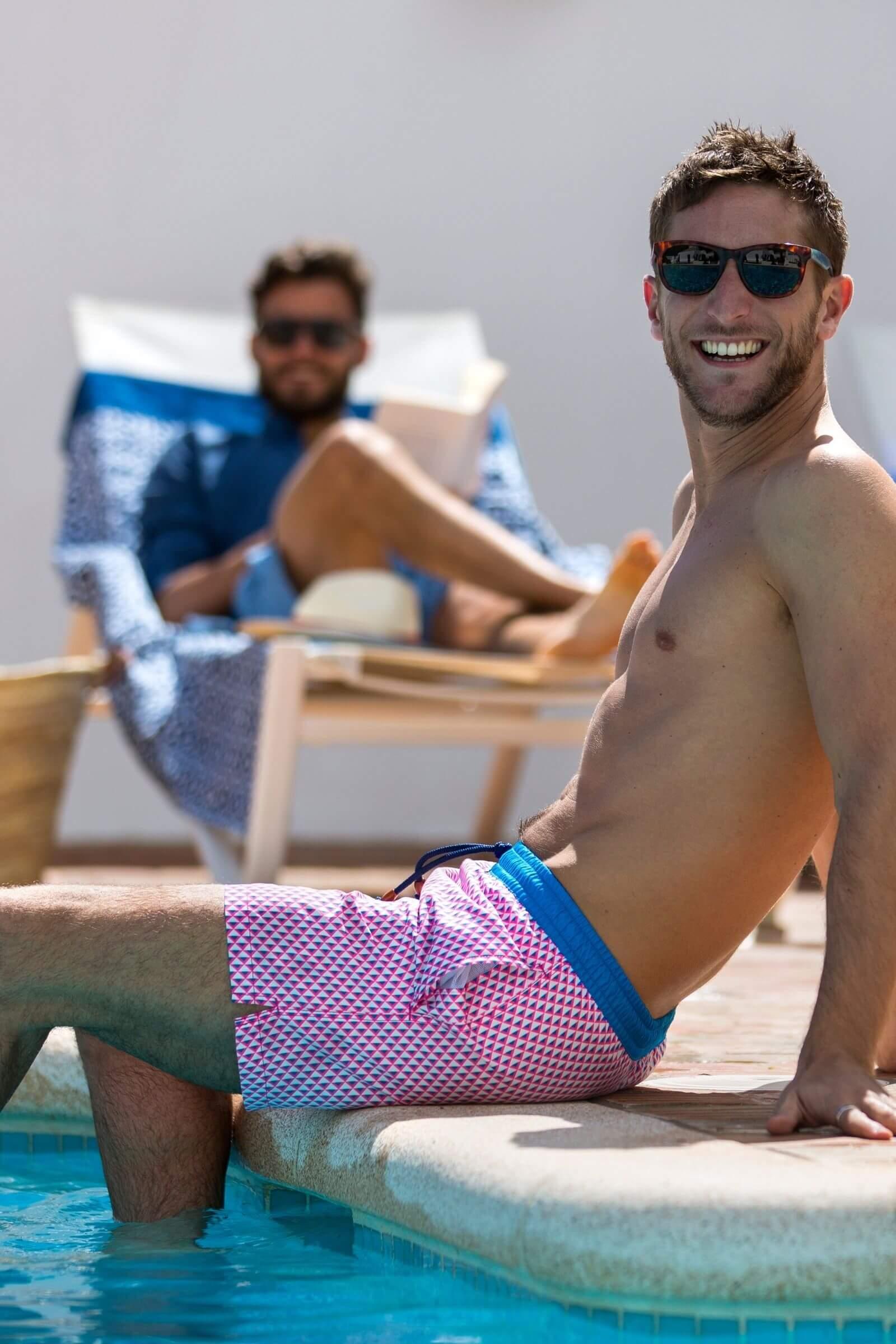 Homme portant un maillot de bain au séchage ultra rapide Miami Beach