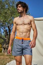 Homme portant un maillot de bain à ceinture élastique Navy Pop Azulejos