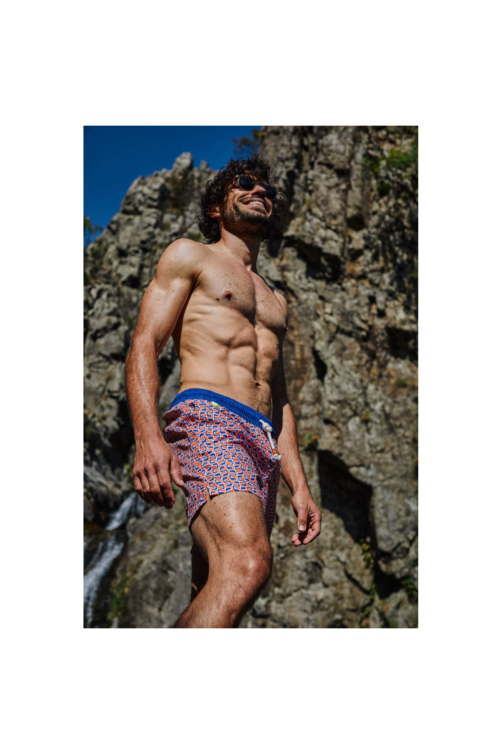 homme portant un maillot de bain Yéyé