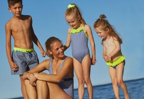 Mum & kids matching